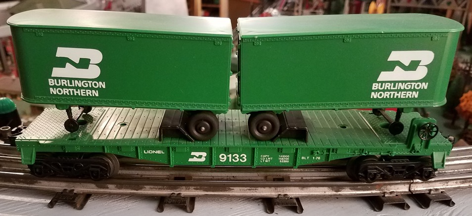 Lionel MPC Burlington Northern 9133 flatcar with vans