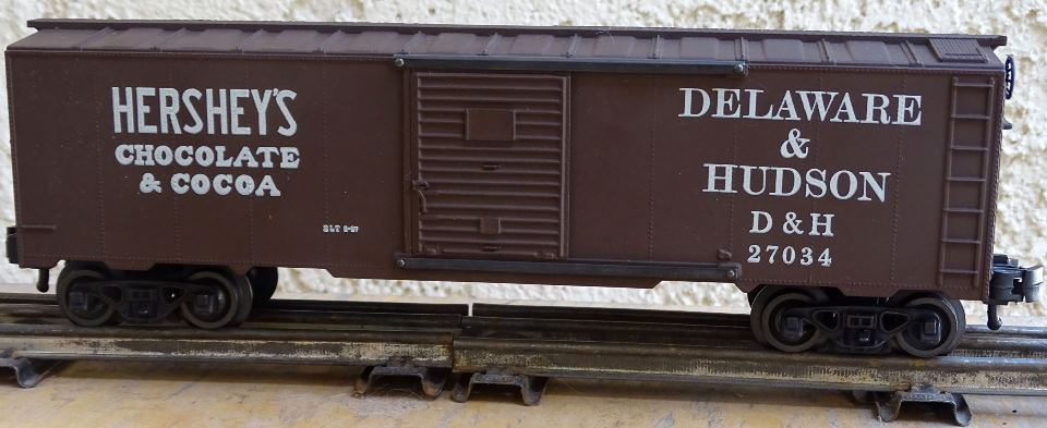 Kris Hershey's Chocolate and Delaware & Hudson 27034 boxcar