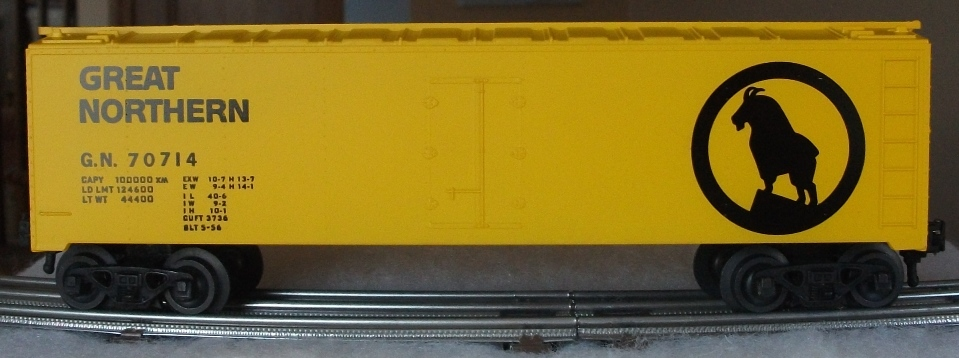 Kris Great Northern 70714 yellow refrigerator car