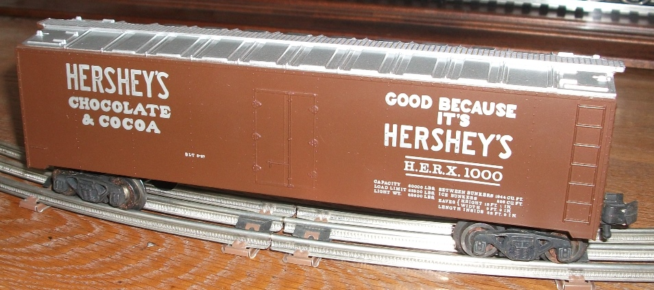 Kris Hershey's refrigerator car - silver lettering