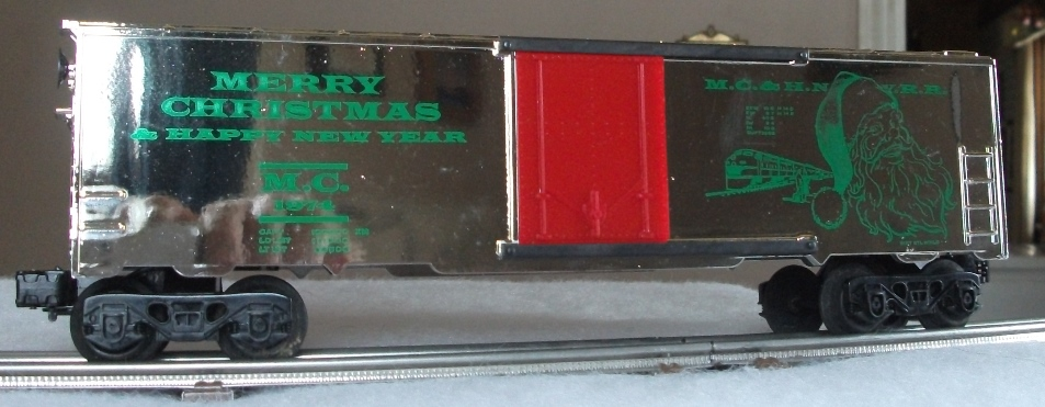 Kris 1974 gold holiday boxcar with green lettering