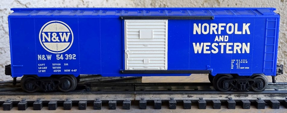 Kris Norfolk and Western 54392 bright blue boxcar