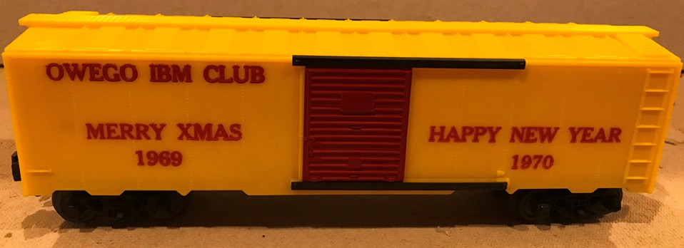 Kris Owego IBM Club 1969 - 70 yellow holiday boxcar with red doors