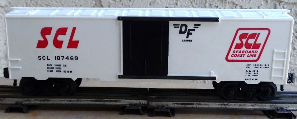 Kris Seaboard Coast Line 187469 white refrigerator car with black plug doors