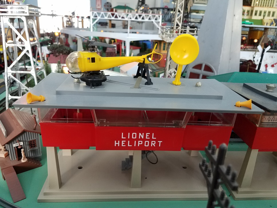 Lionel # 419 Heliport Control Tower