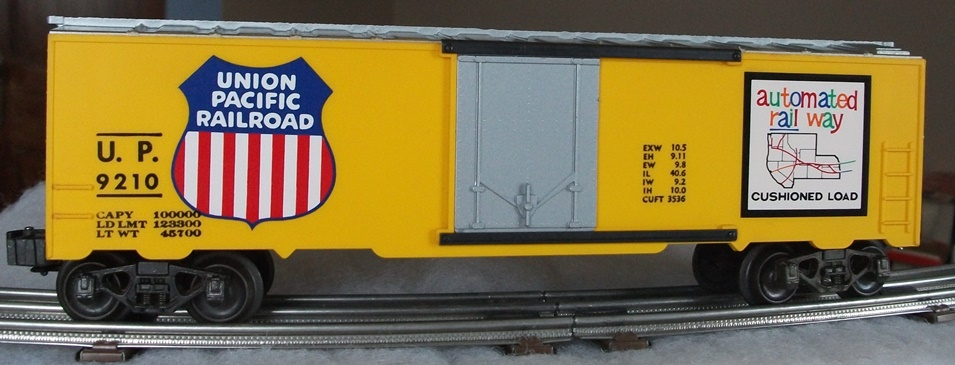 Kris Union Pacific 9210 yellow and silver boxcar with silver plug doors