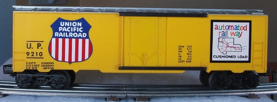 Kris Union Pacific 9210 yellow and silver boxcar with yellow plug doors