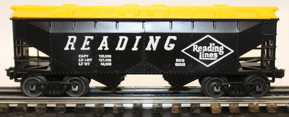 Williams Reading black and yellow hopper car