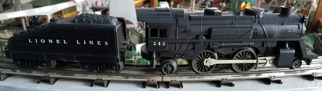 Lionel Postwar 242 2-4-2 steam locomotive