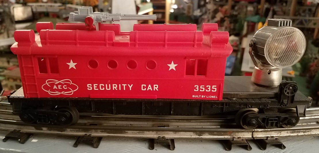 Lionel Postwar 3535 Operating Security Car with Rotating Searchlight