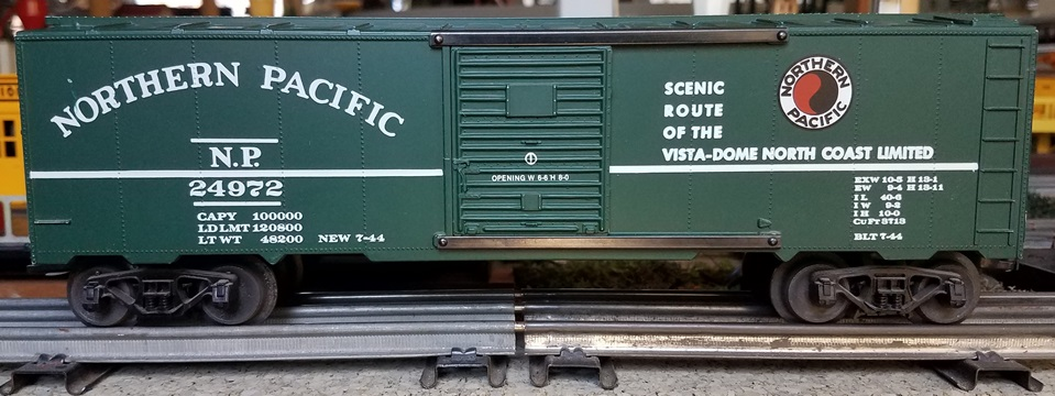Frank's Roundhouse Northern Pacific dark green boxcar