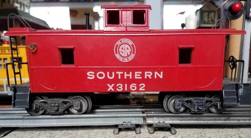 AMT Southern caboose with black steps