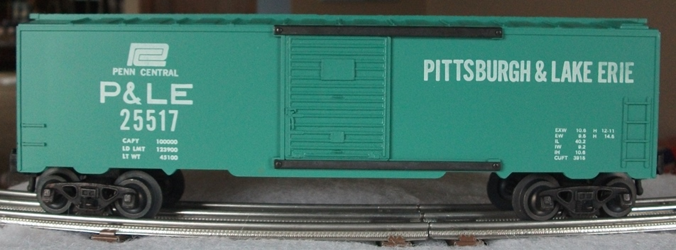 Kris Pittsburgh and Lake Erie 25517 green boxcar with panel doors