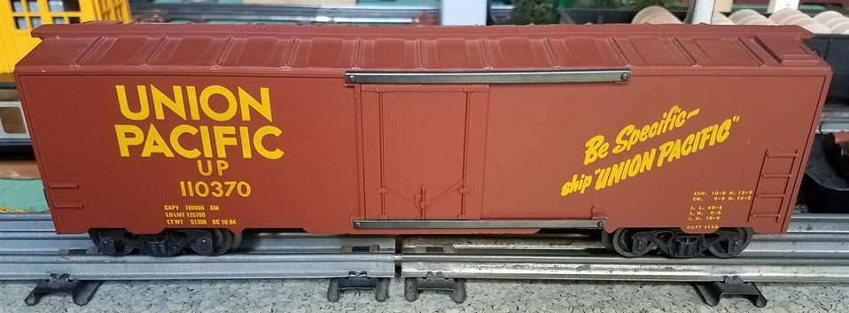 Kris Union Pacific 110370 boxcar red boxcar with plug doors