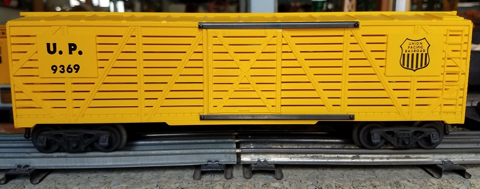 Kris Union Pacific 9369 yellow stock car with yellow doors