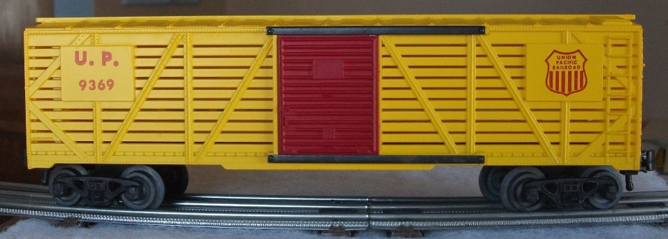 Kris Union Pacific 9369 yellow stock car with red doors