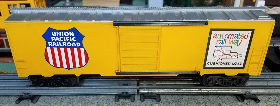 Kris Union Pacific yellow and silver boxcar